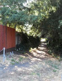 Path to railroad